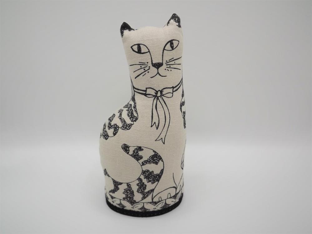 jill pargeter cats right facing (2)